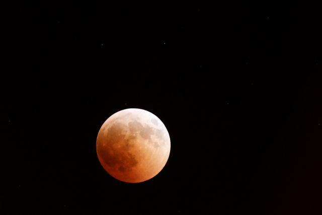 Ερχεται το «Σούπερ Ματωμένο Φεγγάρι του Λύκου» (vid) | tanea.gr