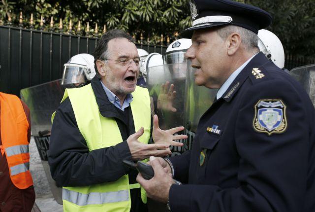 ΛΑΕ: Η εξέγερση των «κίτρινων γιλέκων» δείχνει το δρόμο για τον αγώνα | tanea.gr