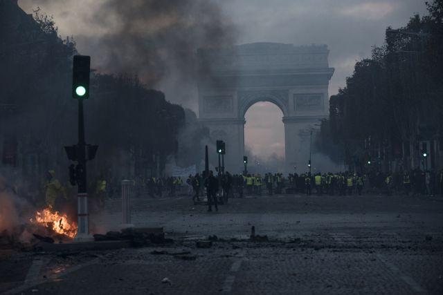 Σάλος στη Γαλλία με το εξώφυλλο του Paris Match | tanea.gr