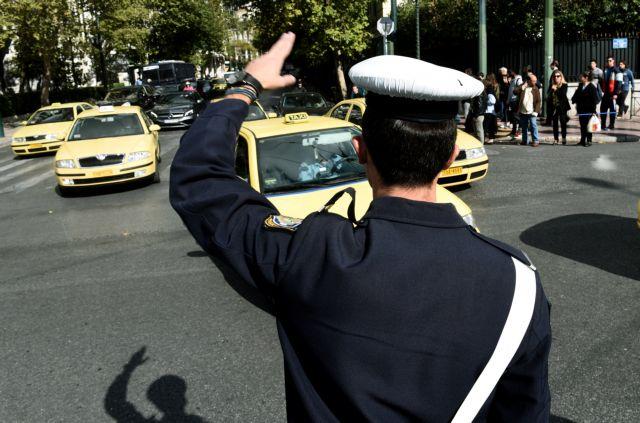 Τροχαία: Χιλιάδες κλήσεις «μοίρασε» για τη μη χρήση ζώνης ασφαλείας   tanea.gr
