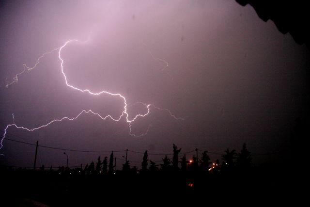 Κίτρινη ειδοποίηση στην Κύπρο για σφοδρές καταιγίδες και χαλάζι | tanea.gr
