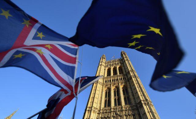 Εκνευρισμό προκαλεί στην οικονομία το λυκόφως του Brexit | tanea.gr