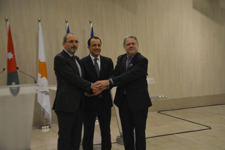 Το Κυπριακό στο επίκεντρο της συνάντησης των ΥΠΕΞ Ελλάδας - Κύπρου - Ιορδανίας   tanea.gr