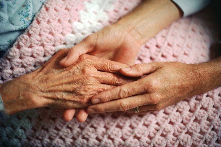 Συντροφικότητα και εργασία «θωρακίζουν» την υγεία μας | tanea.gr