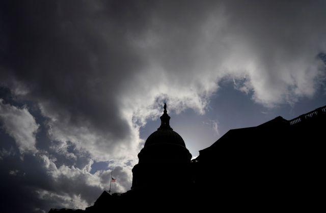 ΗΠΑ : Δεν συμφώνησαν στη Βουλή για τον προϋπολογισμό   tanea.gr