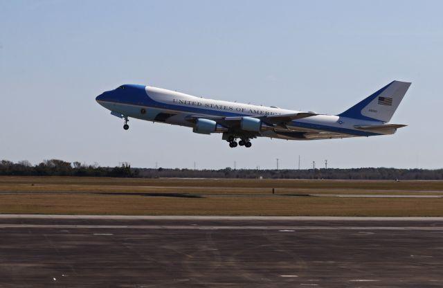Μυστήριο με τον Τραμπ : Είδαν το Air Force One πάνω από την Ευρώπη | tanea.gr