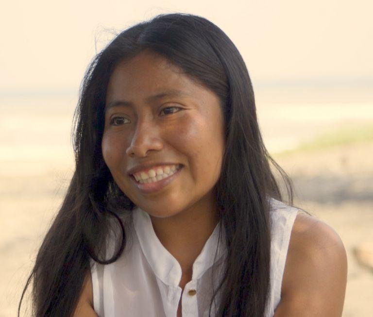 Γιαλίτζα Απαρίσιο: Μία ινδιάνα από το Μεξικό που μάγεψε το Χόλιγουντ | tanea.gr
