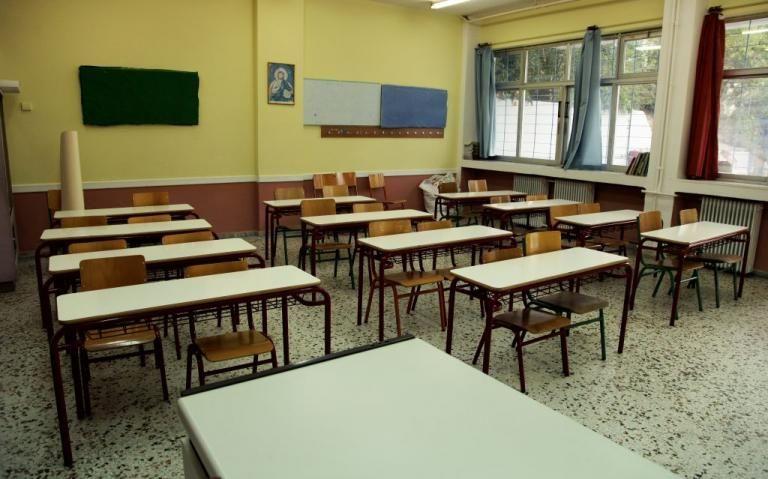 Συνέλαβαν δάσκαλο για παιδική πορνογραφία | tanea.gr