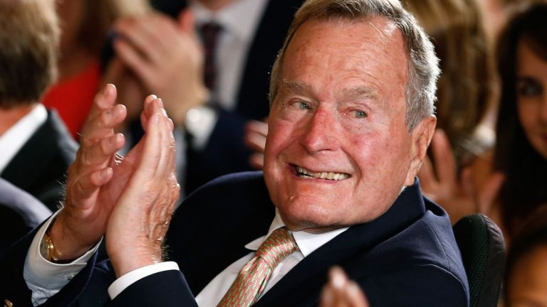 Πέθανε ο πρώην πρόεδρος των ΗΠΑ Τζορτζ Μπους | tanea.gr