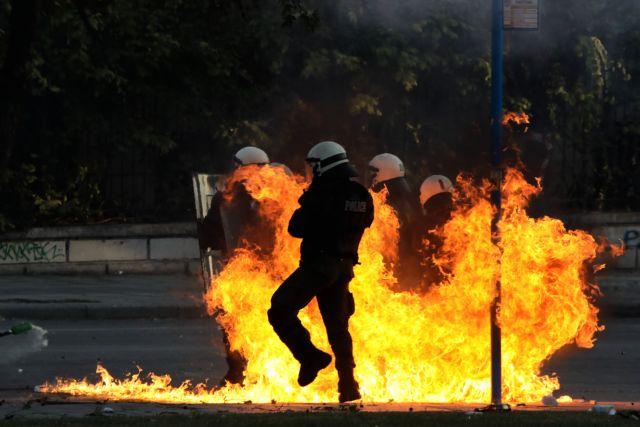 Θεσσαλονίκη: Σοβαρά επεισόδια μετά την πορεία για τον Γρηγορόπουλο - Φωτιά στο εργοτάξιο του μετρό | tanea.gr