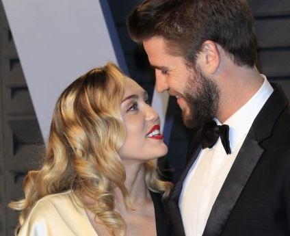 Miley Cyrus : Παντρεύτηκε τον αγαπημένο της Liam Hemsworth | tanea.gr