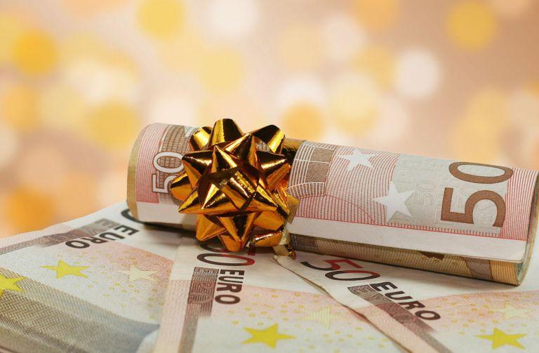 Δώρο Χριστουγέννων : Πώς υπολογίζεται, πότε θα δοθεί, ποιοι το δικαιούνται | tanea.gr