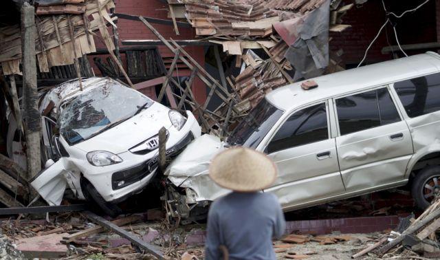 Τσουνάμι στην Ινδονησία: Στους 222 οι νεκροί | tanea.gr