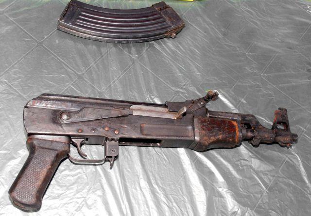 Eντοπίστηκαν όπλα σε διαμέρισμα στον Αγ. Δημήτριο   tanea.gr