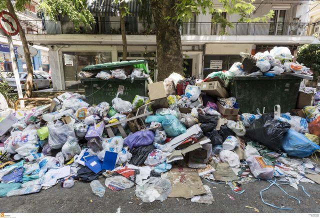 Θεσσαλονίκη: 500 τόνοι απορριμμάτων στους δρόμους   tanea.gr