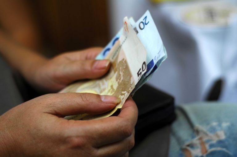 «Βόμβα» για 93.000 δημοσίους υπαλλήλους - Ποιοι θα χάσουν έως 150 ευρώ   tanea.gr