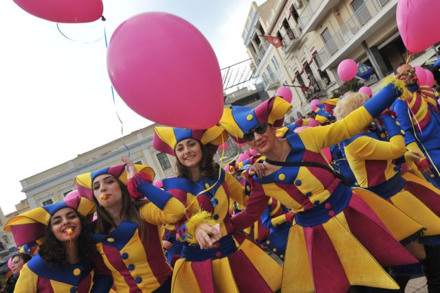 Πάτρα: Φέτος το Καρναβάλι γράφει ιστορία και ζωντανεύει αναμνήσεις | tanea.gr