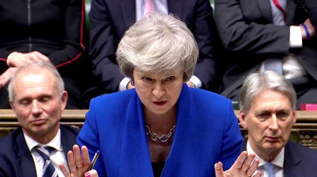 Η Μέι επιτίθεται στον Κόρμπιν : Δεν μπορεί να επανενώσει τη Βρετανία | tanea.gr