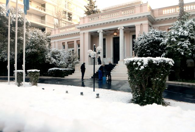 Το Μαξίμου προς Μητσοτάκη : Κατάθεσε πρόταση δυσπιστίας, αν έχεις δύναμη | tanea.gr
