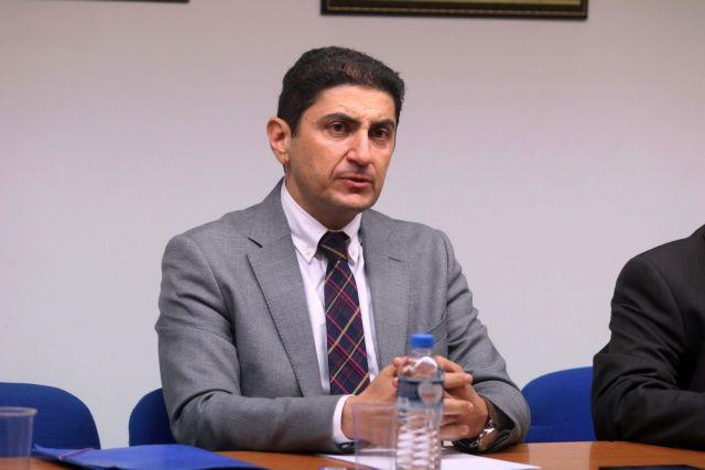 Αυγενάκης: Αυξάνουν τον κατώτατο μισθό για να ξεχάσουμε τη Συμφωνία των Πρεσπών   tanea.gr
