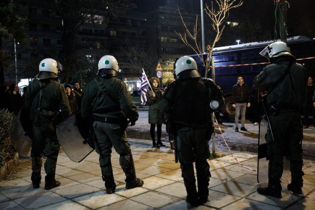Θεσσαλονίκη: Μία σύλληψη για τα επεισόδια έξω από το Μέγαρο Μουσικής   tanea.gr