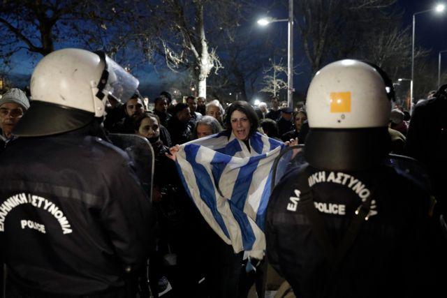 Θεσσαλονίκη: Νέες συλλήψεις για τα επεισόδια έξω από το Μέγαρο Μουσικής | tanea.gr