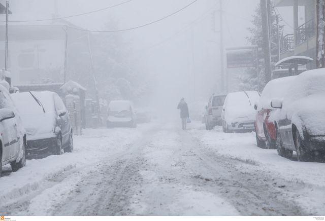 Η χώρα «θάβεται» στο χιόνι - Προειδοποιεί η ΕΜΥ για το επόμενο 48ωρο | tanea.gr