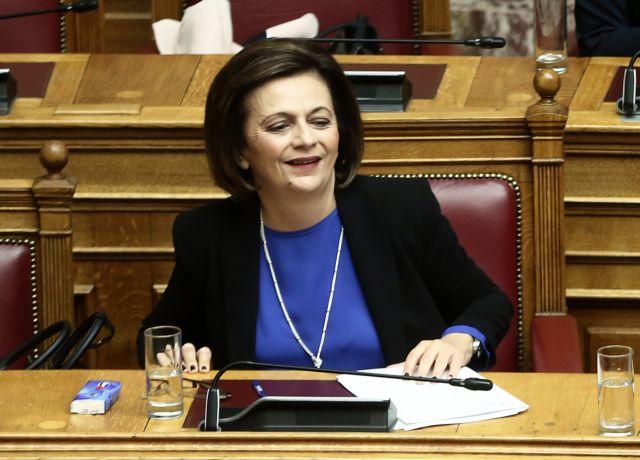 Τοσουνίδης κατά Χρυσοβελώνη : «Τιμήθηκε και αποδεικνύει την αχαριστία της» | tanea.gr