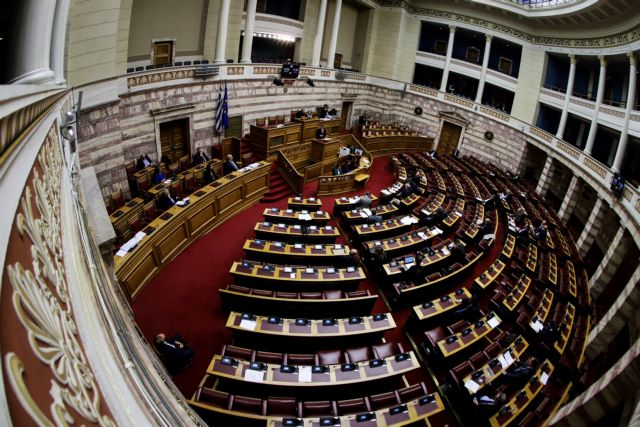 Χαμός στη Βουλή : Η κυβέρνηση δεν μπορεί να περάσει νομοσχέδιο - Καταγγελίες για μεθοδεύσεις | tanea.gr