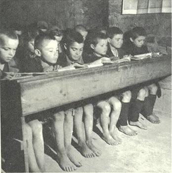 Πώς ήταν τα σχολεία παλιά μέσα από δέκα εκπληκτικές φωτογραφίες | tanea.gr