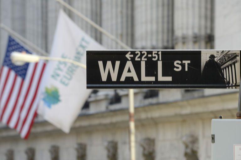 Κίνα και ΔΝΤ βύθισαν τη Γουόλ Στριτ | tanea.gr