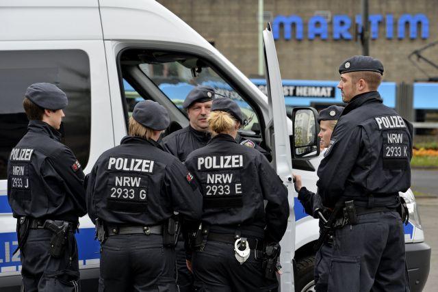 Γερμανία: Συνελήφθη ένοπλος μετά από πυροβολισμούς στην Κολωνία   tanea.gr
