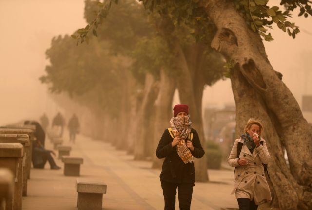 Αίγυπτος: Αμμοθύελλα κάλυψε Κάιρο, Αλεξάνδρεια και άλλες πόλεις   tanea.gr