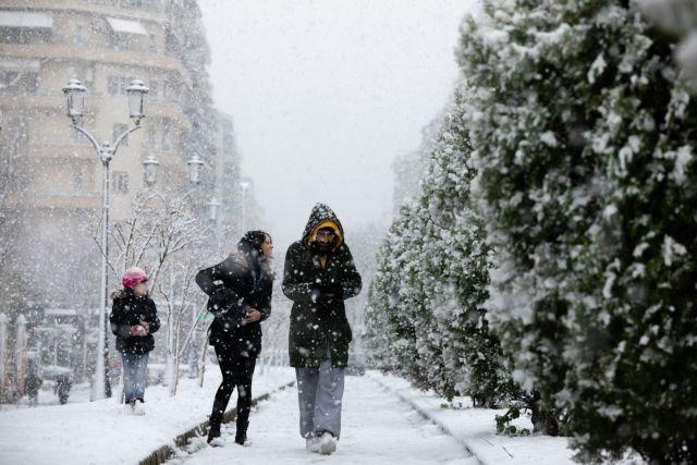 Η «Υπατία» υποδέχθηκε την Θεσσαλονίκη με πυκνό χιόνι | tanea.gr