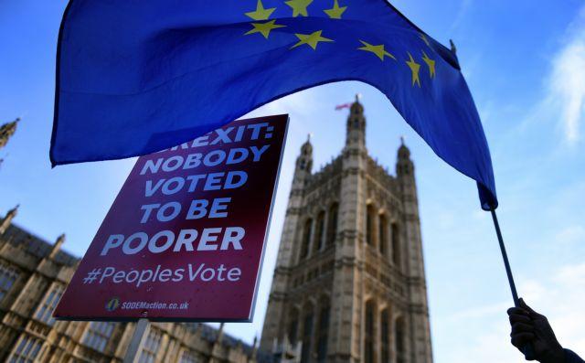 Brexit: Πιέζουν οι Εργατικοί - Ζητούν δεύτερο δημοψήφισμα | tanea.gr