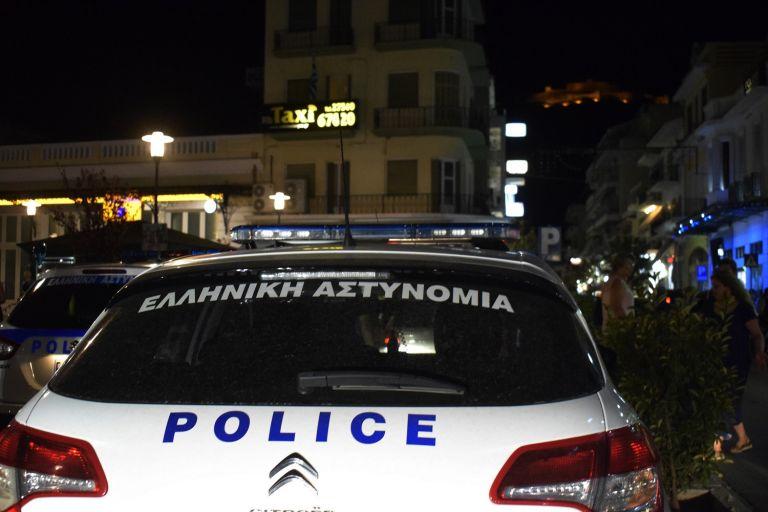 Κουκουλοφόροι επιτέθηκαν σε άτομα που επέστρεφαν από το συλλαλητήριο | tanea.gr