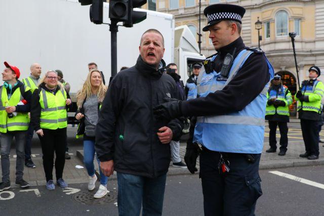 Διαδήλωση κίτρινων γιλέκων και στο Λονδίνο | tanea.gr