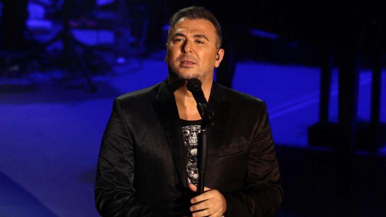 Αντώνης Ρέμος : Τι έγραψε ο τραγουδιστής για τη συμφωνία των Πρεσπών | tanea.gr