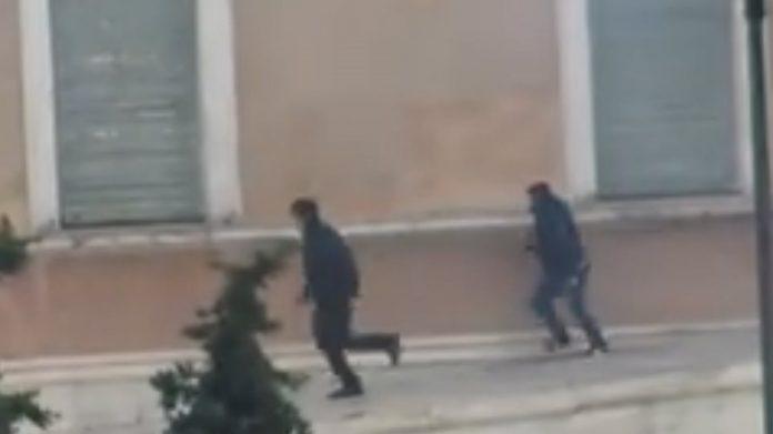 Απίστευτη αποκάλυψη Γεροβασίλη: Υπάρχουν και αστυνομικοί κουκουλοφόροι | tanea.gr