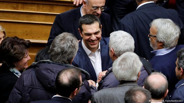 Handelsblatt : Αδύναμος για να κυβερνήσει ο Τσίπρας | tanea.gr