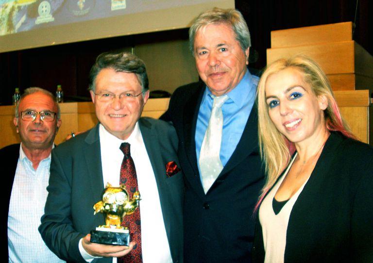 Ο Σοφοκλής Ξυνής βραβεύθηκε από την Εθνική Ολυμπιακή Ακαδημία | tanea.gr