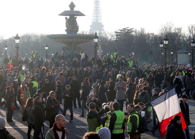 Γαλλία: «Κίτρινα Γιλέκα» και συνδικάτα διαδηλώνουν πλέον μαζί | tanea.gr