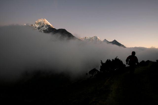 Νεπάλ: Απειλητικό το λιώσιμο των παγετώνων στα Ιμαλάια | tanea.gr