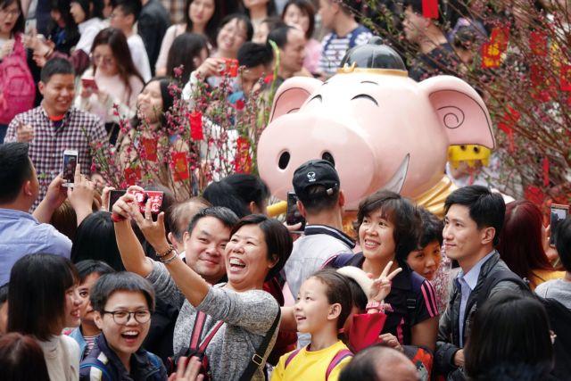 Κίνα: Με λαμπρότητα γιορτάστηκε η έλευση της Χρονιάς του Χοίρου | tanea.gr