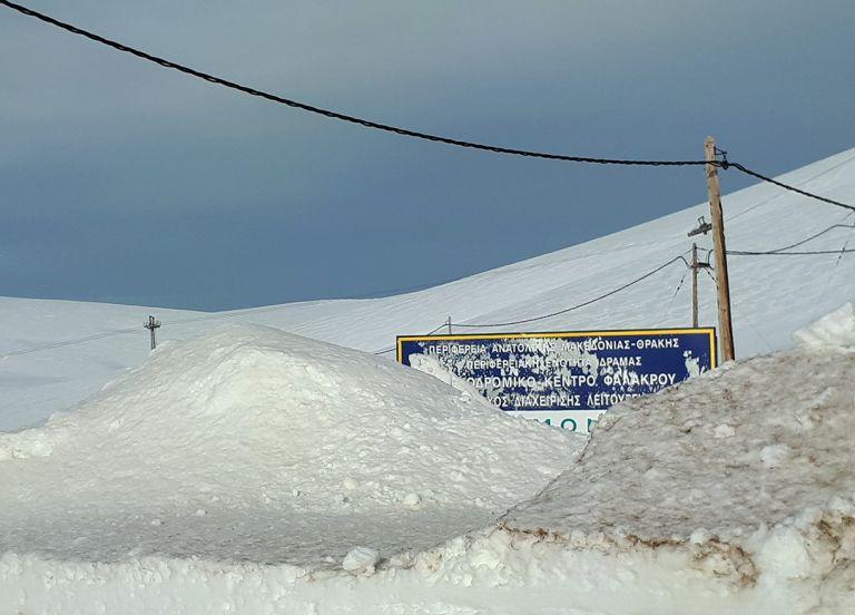 Κλειστό το χιονοδρομικό κέντρο Φαλακρού - Το χιόνι ξεπερνά τα οκτώ μέτρα | tanea.gr