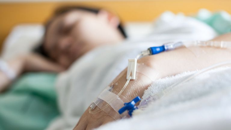 Γρίπη : Πανικός με τους νεκρούς που υπερδιπλασιάστηκαν - Τι απαντά το Υπουργείο, ποια μέτρα συνιστώνται | tanea.gr