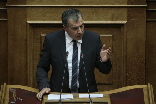 Θεοδωράκης: Καθένας υπακούει αποκλειστικά το κομματικό του συμφέρον | tanea.gr