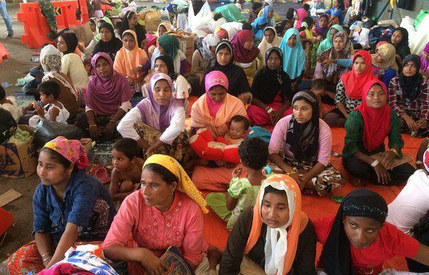 Ινδονησία: Πάνω από 250 μετανάστες λιμοκτονούσαν στοιβαγμένοι σε καταστήματα   tanea.gr