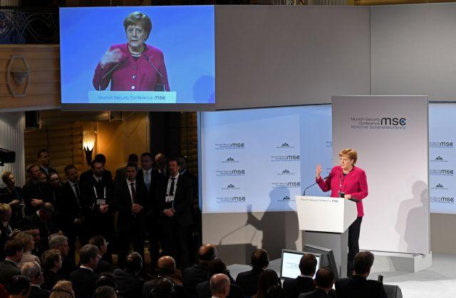 Διάσκεψη Μονάχου: Η χειραψία Τσίπρα - Ζάεφ και οι ύμνοι Μέρκελ για τη συμφωνία των Πρεσπών | tanea.gr
