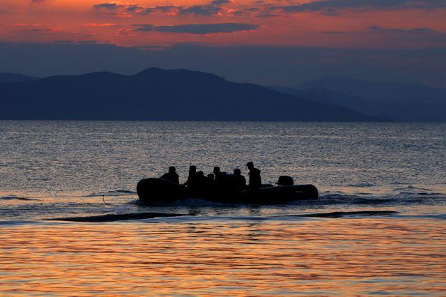 Λέσβος: Διάσωση 51 προσφύγων μετά την ανατροπή βάρκας | tanea.gr